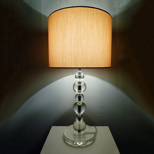 Tischleuchte VIRAG mit Kristallfuß und Seiden - Stoffschirm Kristallleuchte